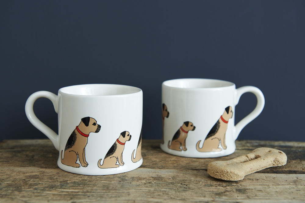 A pair of Beagle mugs