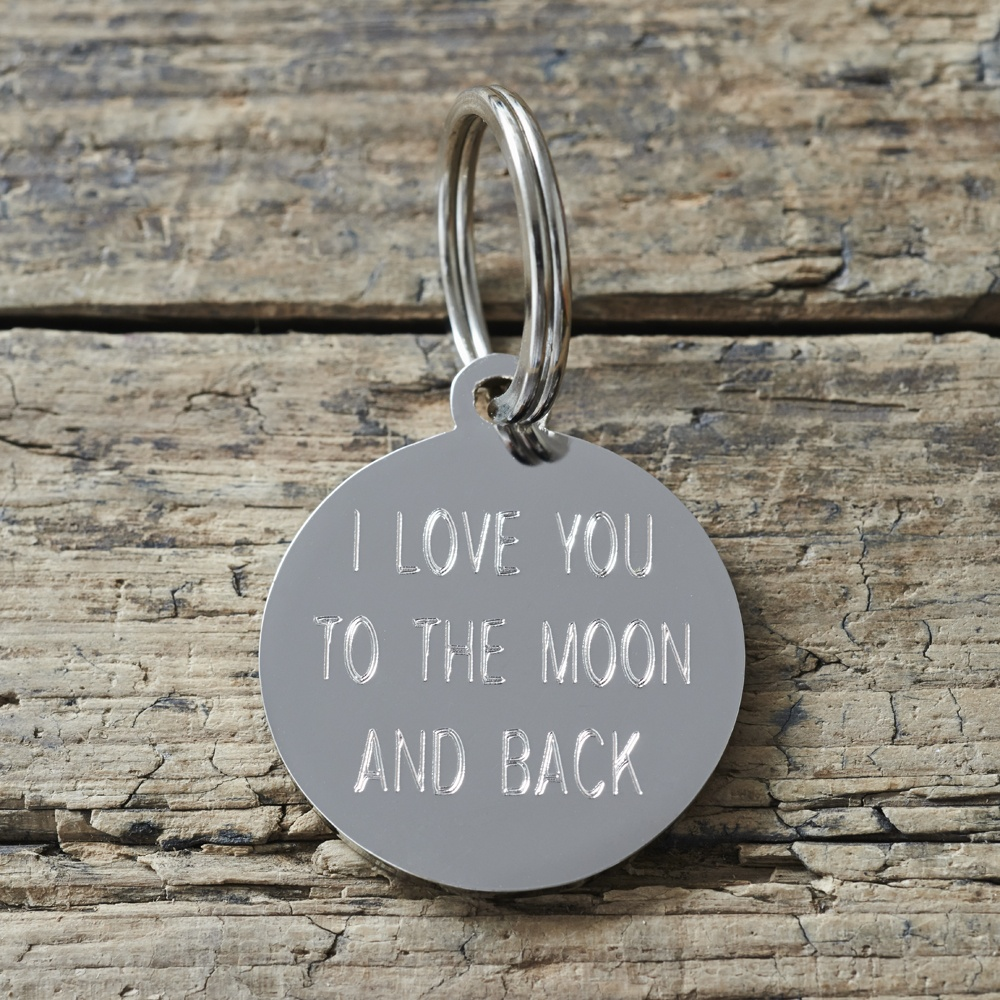 Back side of an engraved dog Keyring