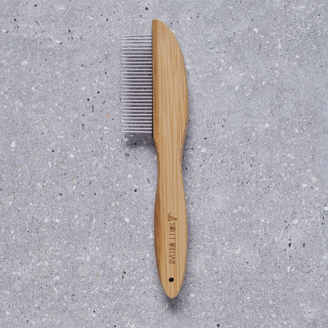 Bamboo / Metal comb , mischievous mutts > coopers apothecary collection ,